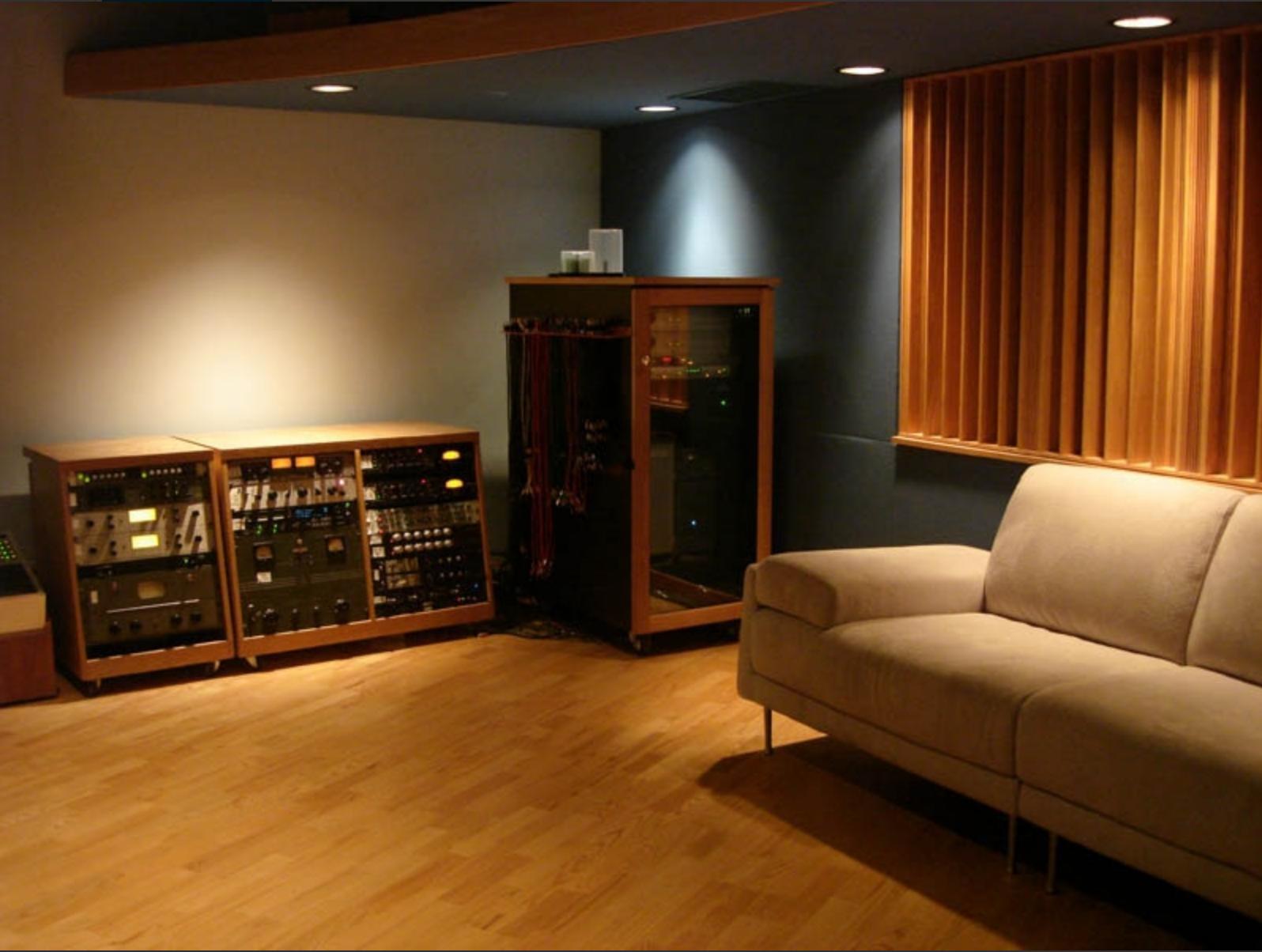 control room (3)