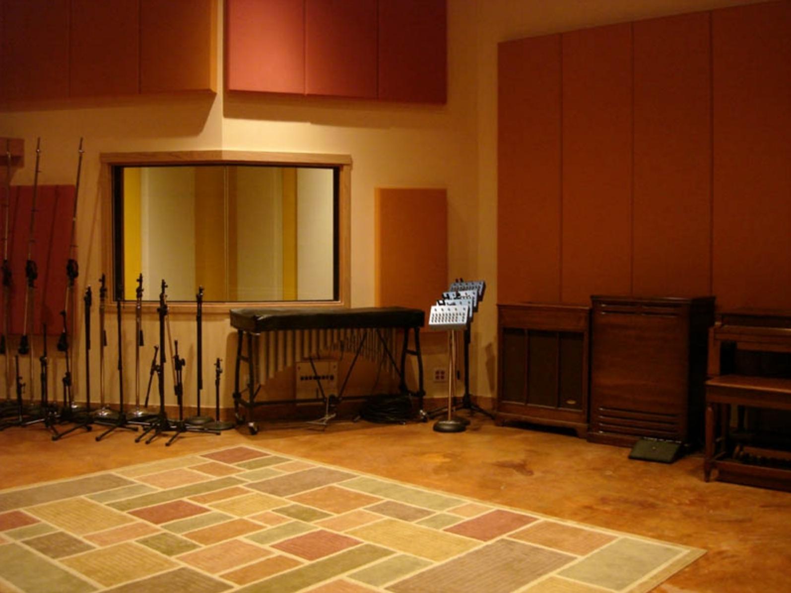 live room (2)